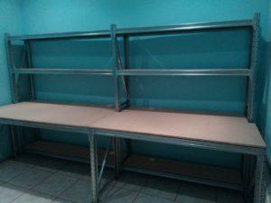 Стеллаж-стол для мастерской
